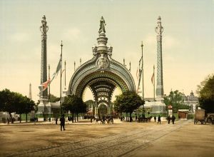The entrance arch of the Place de la Concorde, Paris Exposition 1900